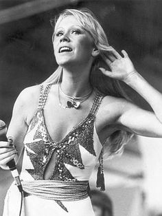 1977: Agnetha Faltskog from ABBA listens to the crowd singing in Melbourne. Picture: Hera