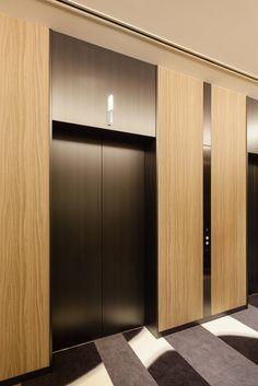 フジテック|エレベータ・エスカレータの新規設置、メンテナンス、リニューアル Lobby Interior, Luxury Interior, Interior Architecture, Interior Design, Elevator Lobby Design, Elevator Door, New York Buildings, Lift Design, Corridor Design