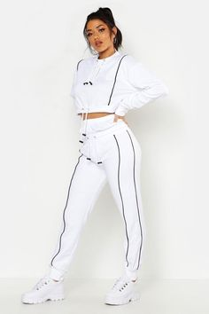 Sporty Outfits, Cute Casual Outfits, Adidas Tracksuit Women, Tracksuit Set, Tracksuit Bottoms, Champion Clothing, Girl Fashion, Fashion Outfits, Clothes For Women