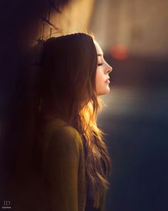 ويلوموني أحسّك تكبر بروحي ويلوموني وانه بلا شوفتك شينفعن اعيوني يشوكي ورجوتي ودنيتي ولوني وعذابي ولهفتي وشكواي واضنوني يخيّ عونك عليّه وبيك خيّ عوني .....سمير (*_~