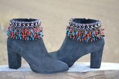 ETHNIC grey SUEDE BOOTS with heel por MISIGABRIELLA en Etsy
