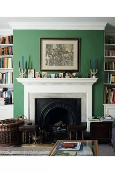 How to make your mantlepiece a decorative focal point, even if your fireplace no longer serves its original function. Mantlepiece decoration ideas from the some very stylish homes. English Cottage Interiors, English Interior, Antique Interior, Space Interiors, Dark Interiors, Bedroom Cupboard Designs, Living Room Designs, Modern Home Interior Design, Contemporary Interior