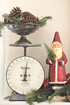 Perfect vintage scale...I have the scale, must remember this idea.