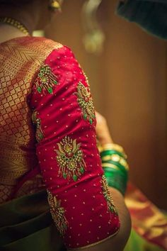 Fashion Dresses Indian Blouses New Ideas Brocade Blouse Designs, Wedding Saree Blouse Designs, Saree Blouse Neck Designs, Designer Blouse Patterns, Designer Dresses, Hand Work Blouse Design, Simple Blouse Designs, Stylish Blouse Design, Maggam Work Designs