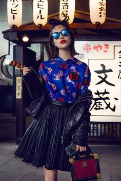 Mizuhara Kiko was born on October 1990 in Dallas, Texas, USA, as an actor and model.   In she became the exclusive model of the fashion magazine Fashion Shoot, Editorial Fashion, Fashion Beauty, Japanese Fashion, Japanese Girl, Grunge Style, Rock Style, Kiko Mizuhara Style, Pin Up