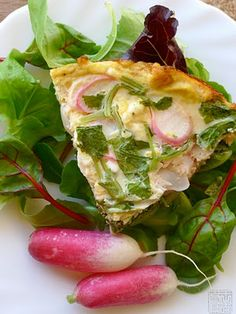 Red Radish Leaves with Greek Feta Frittata Radish Greens, Yummy Recipes, Yummy Food, Radish Recipes, Seasonal Food, Frittata, Kimchi, Vegetable Recipes, Feta