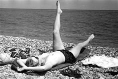 The candid shots of Miller picture her sunbathing topless on a beach in Antibes. Roland Penrose Estate, England The Penrose Collection. All rights reserved Lee Miller, Man Ray, Roland Penrose, Liberation Of Paris, Monochrome Photography, Contemporary Photography, Fashion Photography, Lost Images, Portraits