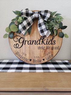 Christmas Signs Wood, Christmas Gifts For Mom, Christmas Crafts, Grandparents Christmas Gifts, Etsy Christmas, Diy Signs, Wood Signs, Wood Crafts, Diy Crafts
