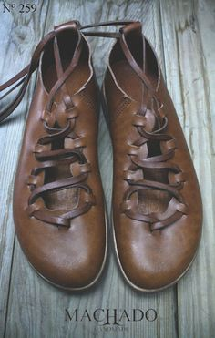 Machado handmade shoes ... could be Medieval-ambient Obuv 5a2da1a525
