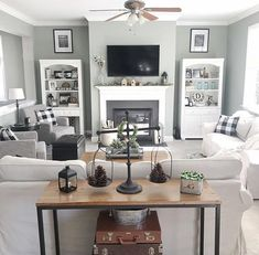 45 Magnificient Coastal Living Room Decor Ideas Coastal style is increasingly becoming more popular than ever because of its versatility. It also has a casual savoir faire … Furniture Layout, Coastal Decorating Living Room, Interior Design Living Room, Small Living Room, Room Remodeling, Living Decor, Farm House Living Room, Living Room Remodel, Home Living Room