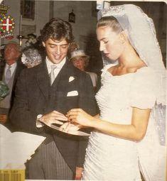 Bianca di Savoia Aosta (1966) sposa Gilberto Arrivabene Valenti Gonzaga (1961), nel 1988. Royal Brides, Royal Weddings, Noblesse, Here Comes The Bride, Royalty, Marriage, Beautiful Women, Victoria, People
