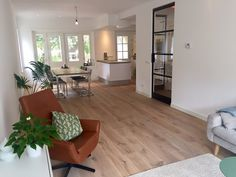 Afbeeldingsresultaat voor jaren 30 keuken doorbreken Küchen Design, House Design, Interior Design, Hardwood Floors, Flooring, Cozy House, Future House, Beautiful Homes, Family Room