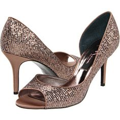 sexy sparkle shoes...if only i could wear heels.