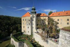 Pieskowa Skala castle in Poland  From Apgmbc