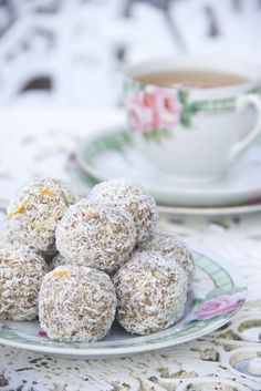 Cardamom and Orange Truffles #healthy #vegan #recipe #dairyfree #sugarfree #glutenfree #begoodorganics