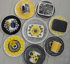Keltainen kahvipannu: Eräs heikkouteni Marimekko, Diy Quiet Books, Ceramic Painting, Plates And Bowls, Ceramic Plates, Scandinavian Design, Coupon Codes, Dinnerware, Creations
