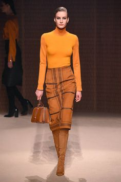 Herm¨¨s Fall 2019 Ready-to-Wear Fashion Show - Vogue Trend Fashion, Fashion Moda, Fashion Weeks, Love Fashion, Runway Fashion, High Fashion, Fashion Women, Net Fashion, Fashion Design
