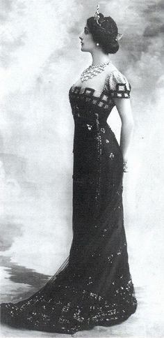 1910s  Italian opera singer snd soprano Lina Cavalieri