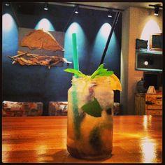 Adeste tsikoudito cocktail