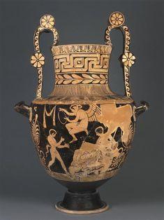 Peintre du Primato   Nestoris à figures rouges  Vers 360 - 350 avant J.-C.  Lucanie H. : 72,50 cm. ; D. : 40 cm. ; L. : 49,30 cm.  Face A : Héraclès et Nessos. Face B : Dionysos, satyre et Eros.