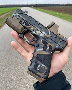 Glock Guns, Weapons Guns, Guns And Ammo, Armas Airsoft, Custom Guns, Military Guns, Cool Guns, Assault Rifle, Hand Guns
