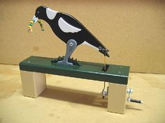 Magpie with grub. Mechanical Projects, Mechanical Art, Marionette Puppet, Puppets, Bird Crafts, Wood Creations, Toy Craft, Magpie, Benches