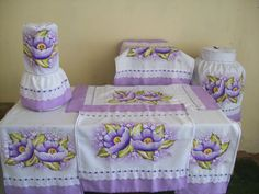 Fabric Painting, Decorative Boxes, Embroidery, Pillows, Home Decor, Bottle Crafts, Red Plates, Stove Hoods, Painted Beds