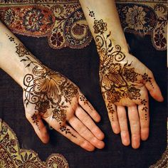 Exceptional henna flowers