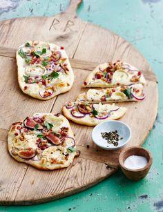 Mit Kürbis oder roten Zwiebeln, mit Ziegenkäse oder Lachs: 8 Rezepte für köstlichen Flammkuchen.