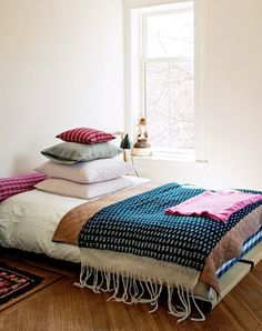 Brooklyn Interiors: The bohemian house of designer Mona Kowalska - Photo: Matthew Williams Home Bedroom, Bedroom Decor, Bedrooms, Bedroom Eyes, Home Interior Design, Interior And Exterior, Turbulence Deco, Gravity Home, Singular