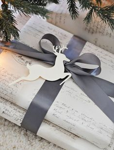 Watch a wonderful video on how to tie the perfect bow and see our favorite holiday gift wrapping ideas today, on Hadley Court Noel Christmas, Winter Christmas, All Things Christmas, Christmas Crafts, Christmas Decorations, Elegant Christmas, Reindeer Christmas, Beautiful Christmas, White Reindeer