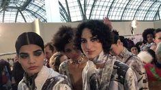 #인스타일live_pfw #레오나드 의 백스테이지 현장! 보는 것만으로 시원한 #블루셰도우 로 메이크업에 포인트를 준 모델들이 워킹을 준비하고 있네요. 매력적인 모델의 #윙크 는 덤! -editor PHM #backstagebeauty #blueeyes #leonard #pfw #instylekorea  via INSTYLE KOREA MAGAZINE OFFICIAL INSTAGRAM - Fashion Campaigns  Haute Couture  Advertising  Editorial Photography  Magazine Cover Designs  Supermodels  Runway Models