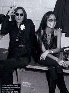 John Lennon & May Pang, during the lost weekend Elton John Live, Dear John, John Lennon Yoko Ono, Jhon Lennon, The Lost Weekend, Les Beatles, The Fab Four, Ringo Starr, Jim Morrison