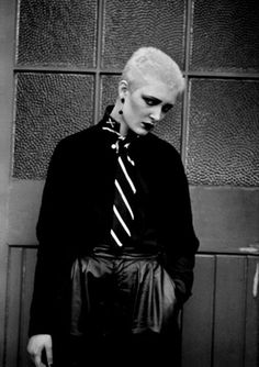 Siouxsie/ Slick, fashionable, interesting lady...