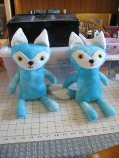 stuffed toy foxes