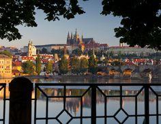 Praga, la ciudad encantadora. Descubre en nuestra web las direcciones que no pueder perderte en la capital checa.