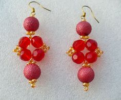 Free pattern for earrings Avadavat Click on link to get pattern - http://beadsmagic.com/?p=5573