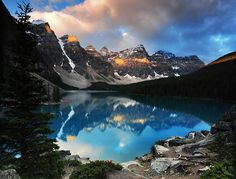 Moraine Lake, Banff National Park, outside the Village of Lake Louise, Alberta, Canada #BucketList