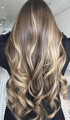 Que lindo! como en 4729384738 años lo tendré asi de largo Hot Hair Colors, Color Trends, Long Hair Styles, Stuff To Buy, Beauty, Hair Ideas, Beleza, Long Hairstyle, Cosmetology