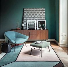 Absolutely love this set design by @cristinanavastudio , the use of shape and seamless colour palette works beautifully. #interiordesigner #interiorinspo #interiordesign #interiorstylist #interiorstyle #colour #homedecor #decor #interiors #roominspo #homestyle #instagood #colourschemes #textures #patterns #moodboard #homeinspiration #interiorobsessed #colourblocking #colourpalette #inspire #architecture #retro #design #style #modern #contemporary #midcentury #art #designer
