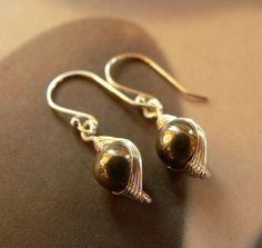 Pirit fülbevaló (f1213), Ékszer, óra, Fülbevaló, Meska Pearl Earrings, Drop Earrings, Pearls, Jewelry, Pearl Studs, Jewlery, Jewerly, Beads, Schmuck