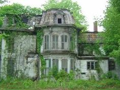 Abandoned Second Empire House Location Unknown Abandoned Buildings, Abandoned Ohio, Abandoned Property, Old Abandoned Houses, Abandoned Castles, Old Buildings, Abandoned Places, Old Houses, Beautiful Buildings