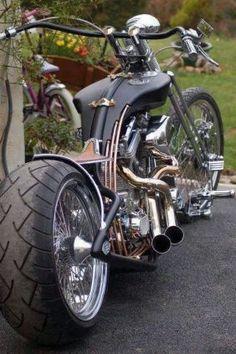 (1) C.J. Totten's Bikes - Tapiture