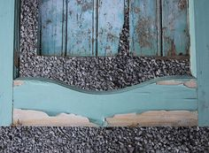 Portas antigas viram obras de arte em murais na Bélgica