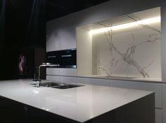 Dekton Halo and Aura backsplash by Louis Culot keukenwerkbladen @Bouw en Reno - Stand Trouilliez Interieur