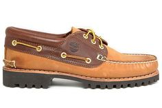 Boat shoes are a bona fide menswear classic that will bring a nautical feel to any of your summer looks. These are our favourite men's deck shoes for Best Boat Shoes, Summer Looks, Well Dressed, Menswear, Footwear, Humility, Brown, Stitch, Shopping