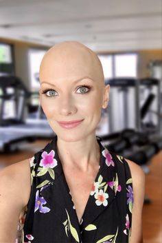 Bald Head Girl, Bald Head Women, Bald Heads, Shaved Head, Absolutely Gorgeous, Beautiful, Make Me Smile, Girl Hairstyles, Shaving