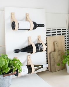 DIY - Interior-Inspiration ❤ Two for Fashion - Ideen Wine Rack Inspiration, Wine Rack Design, Home Crafts, Diy Crafts, Diy Kitchen Projects, Kitchen Ideas, Kitchen Design, Pallet Wine, Diy Simple