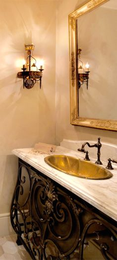 If you are having difficulty making a decision about a home decorating theme, tuscan style is a great home decorating idea. Many homeowners are attracted to the tuscan style because it combines sub… Tuscan Style Homes, Spanish Style Homes, Tuscan House, Spanish Colonial, Tuscan Bathroom Decor, Gold Bathroom, Small Bathroom, Bathroom Ideas, Tuscan Paint Colors