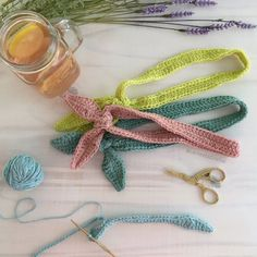 Vincha Fácil Tejida a Crochet - Patrón Gratuito - Las Varetas Crochet Ear Warmers, Crochet Fashion, Band, Diy Crochet, Scrunchies, Crochet Projects, Free Pattern, Diy And Crafts, Crochet Necklace